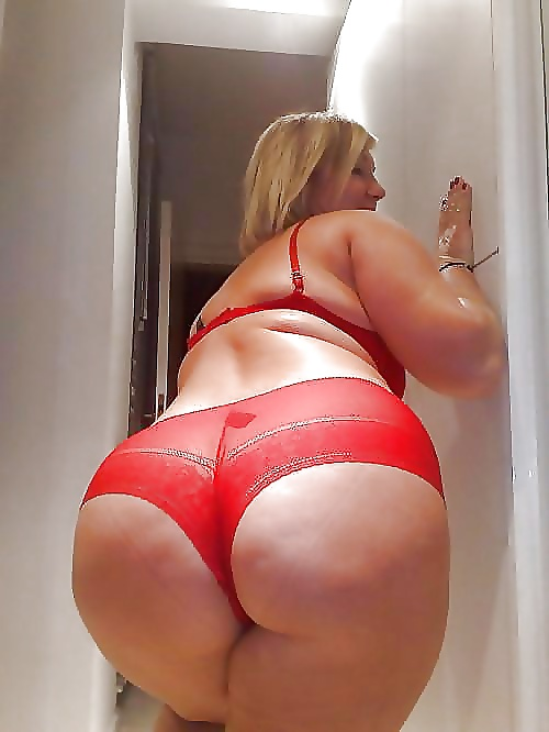 bigbooty-girls-in-sexy-lace-panties-girls-get-teacher-to-make-boys-strip-naked