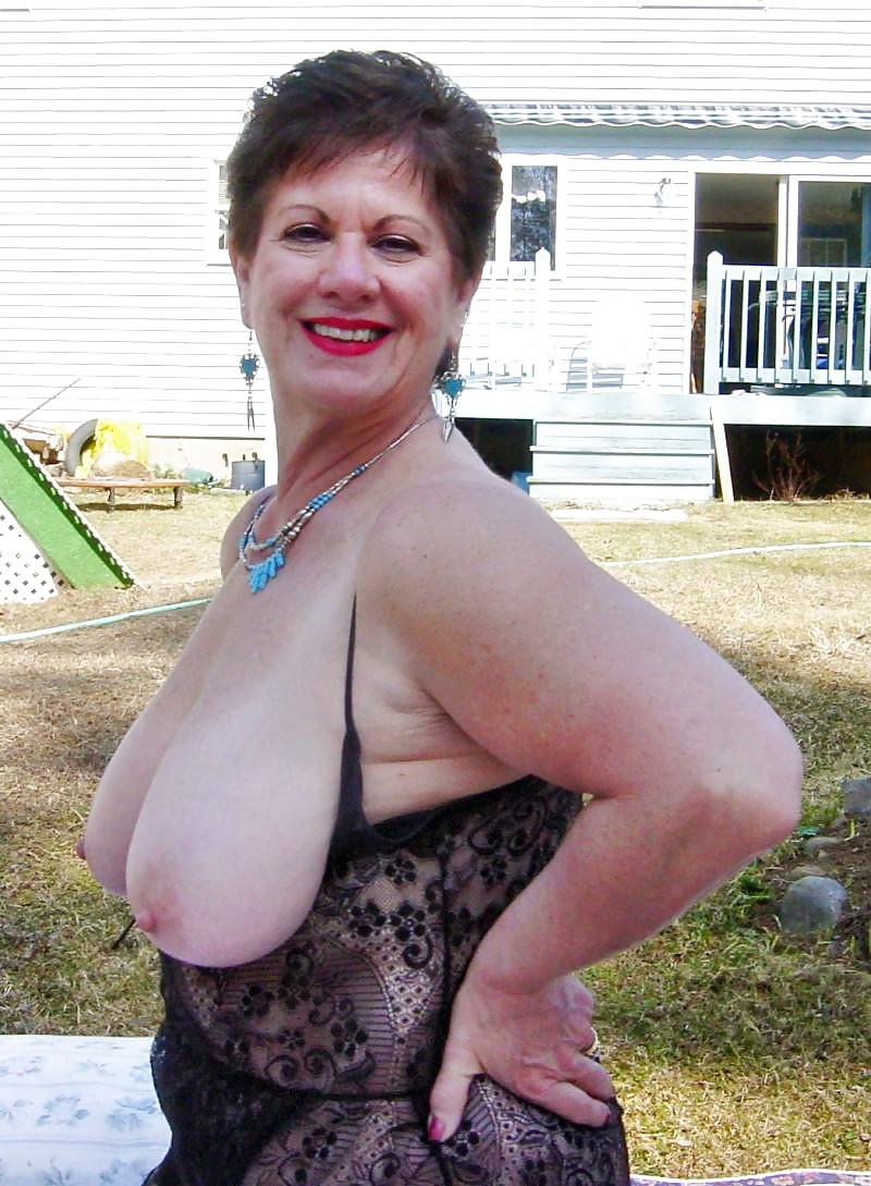 Curvy grannies