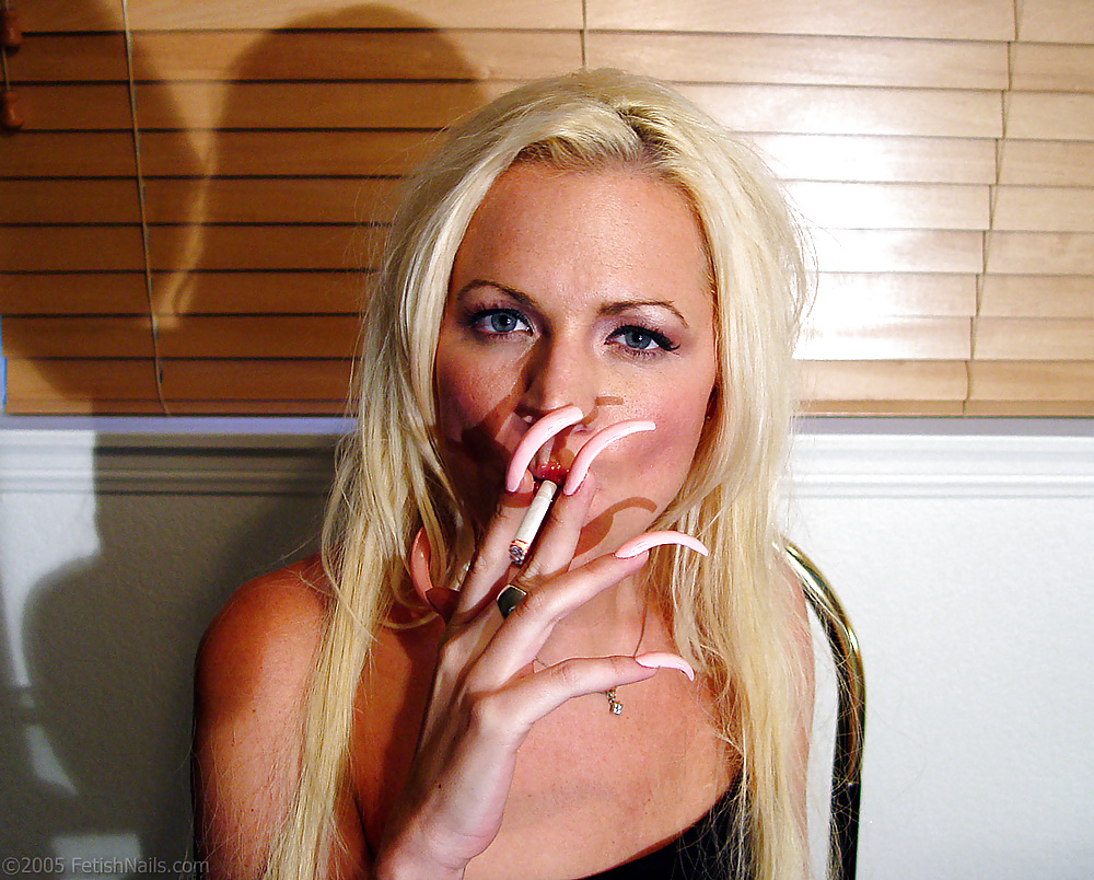 Fetish long nail smoking — photo 9