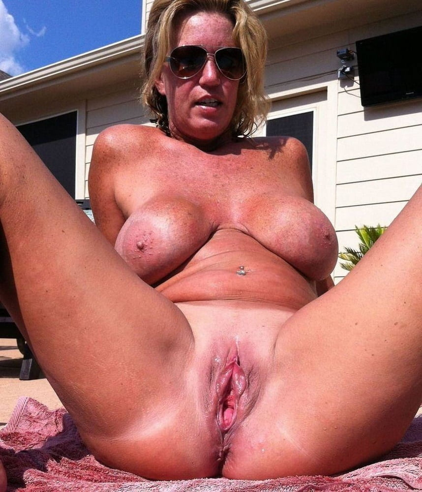 Sexy Mature Naked Girlfriend Cunt Lips