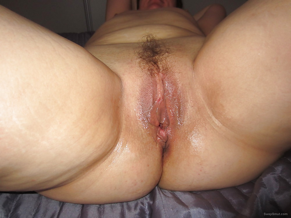 Nude pictures of my wife for everyone to check out her body