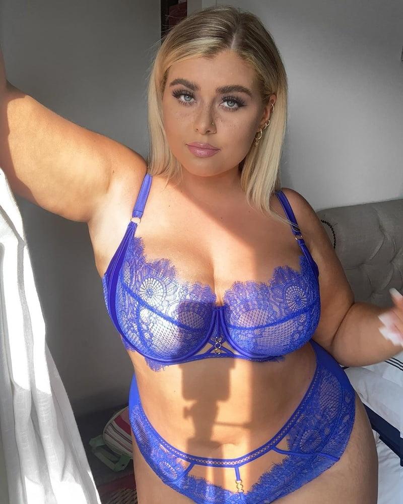 Fat blonde cunt
