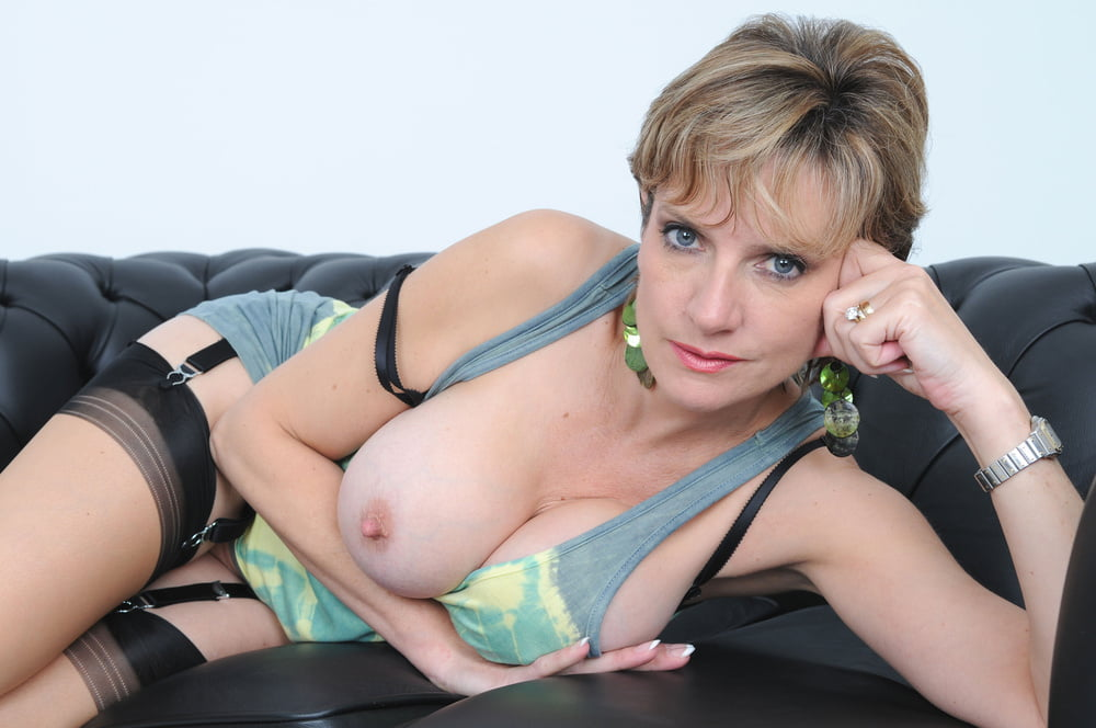 Mature model gallery office fucked