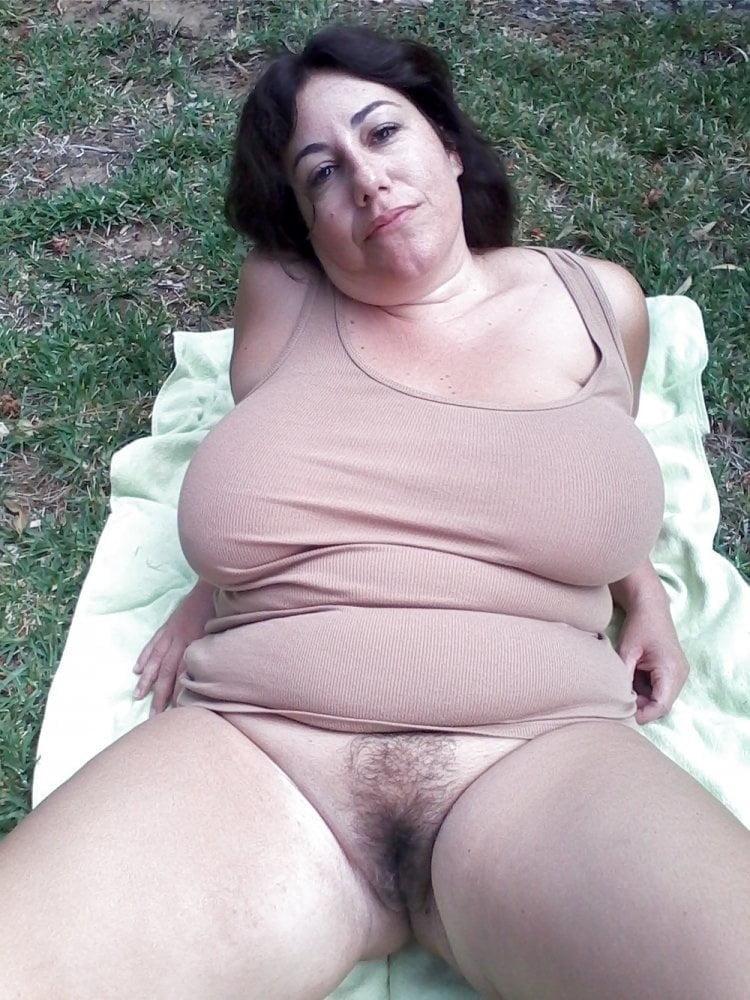 Milf Hairy Pussy Masturbation