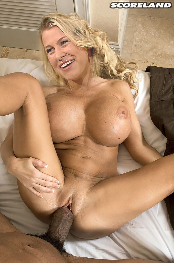 Nadine Krüger Sexy