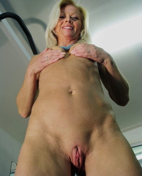 Cameltoe Hairy Mature Fappenist 1