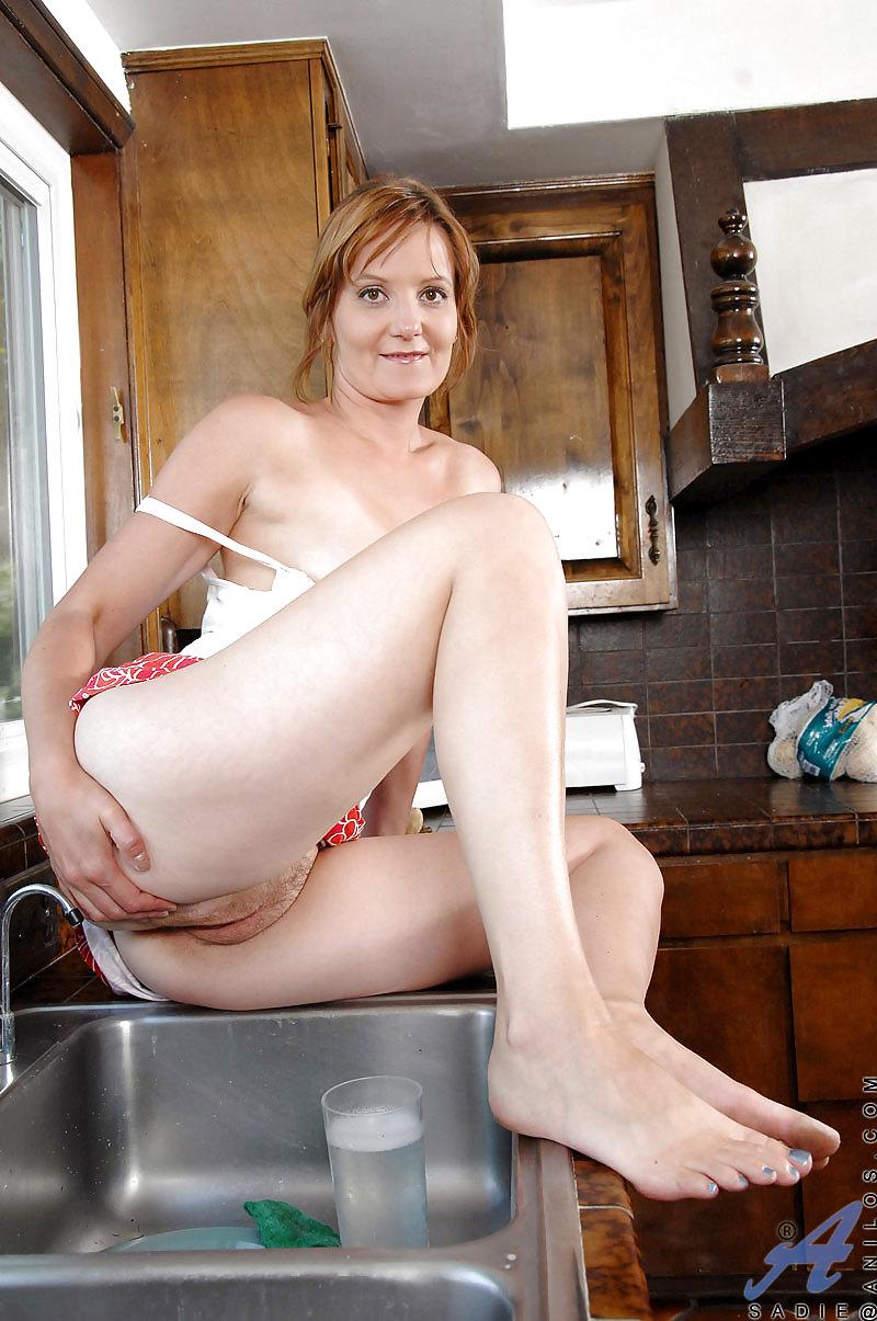 Erotic web housewife uk — img 8