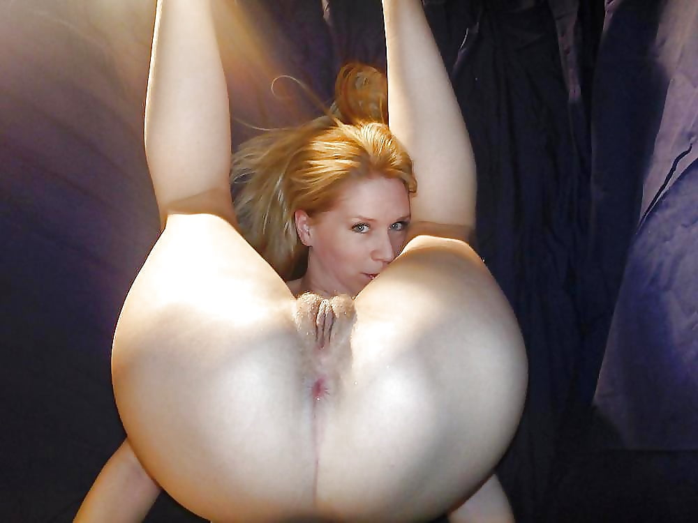 Young blonde milf asses naked — 2
