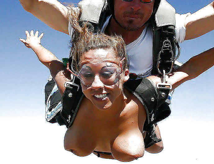naked-girls-skydiving-galleries