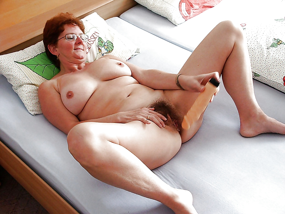 Kinky granny looking for chat contacts for mutual masturbation fun cam sex contacts