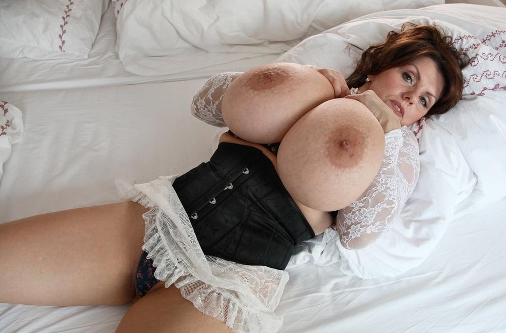 naked-milena-velba-myanmar-sexx-pussy-photo