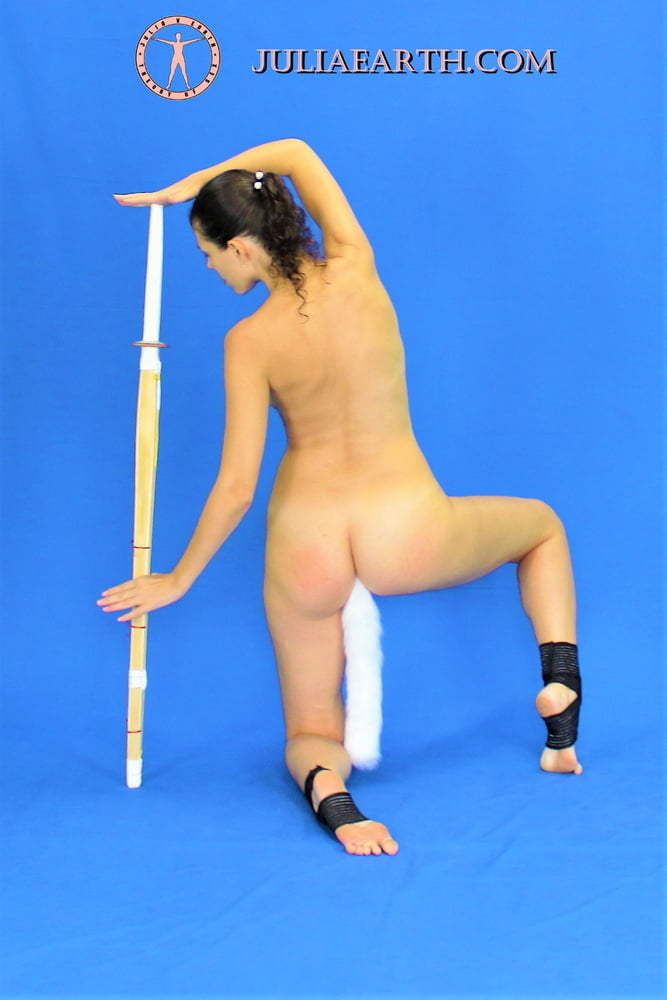 Julia V Earth with kendo sword and butt tail - 10 Pics