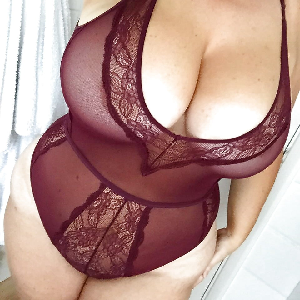 Curvy milf lingerie amateur, jar breaks in guys ass video