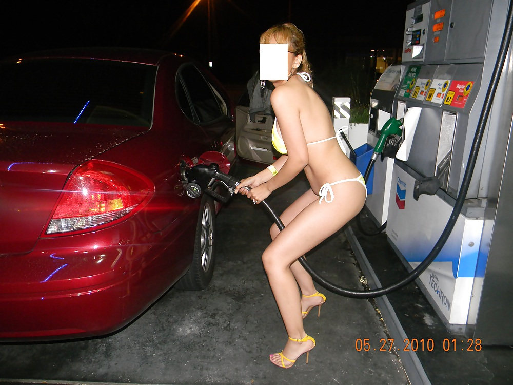 Model Is Threatened By Female Social Media Followers For Posing Naked Outside Gas Station In Mexico