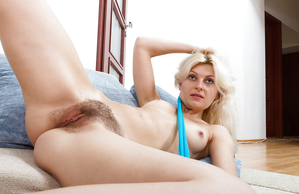 Girls Bushes Tanya Treats Her Unshaved Snatch After A Long 1