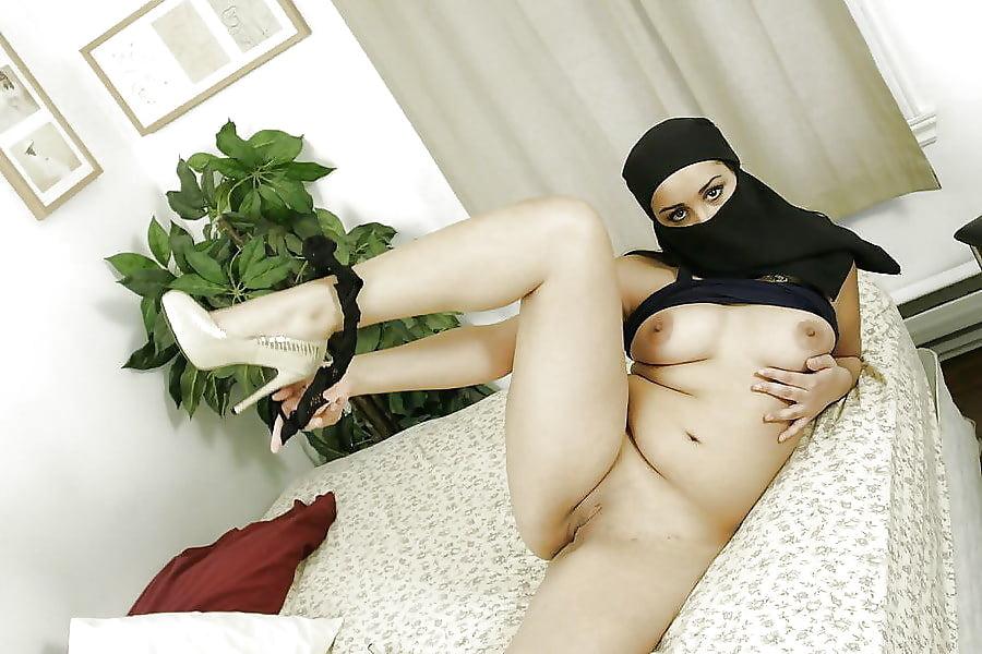 Sexy pussy muslim #3