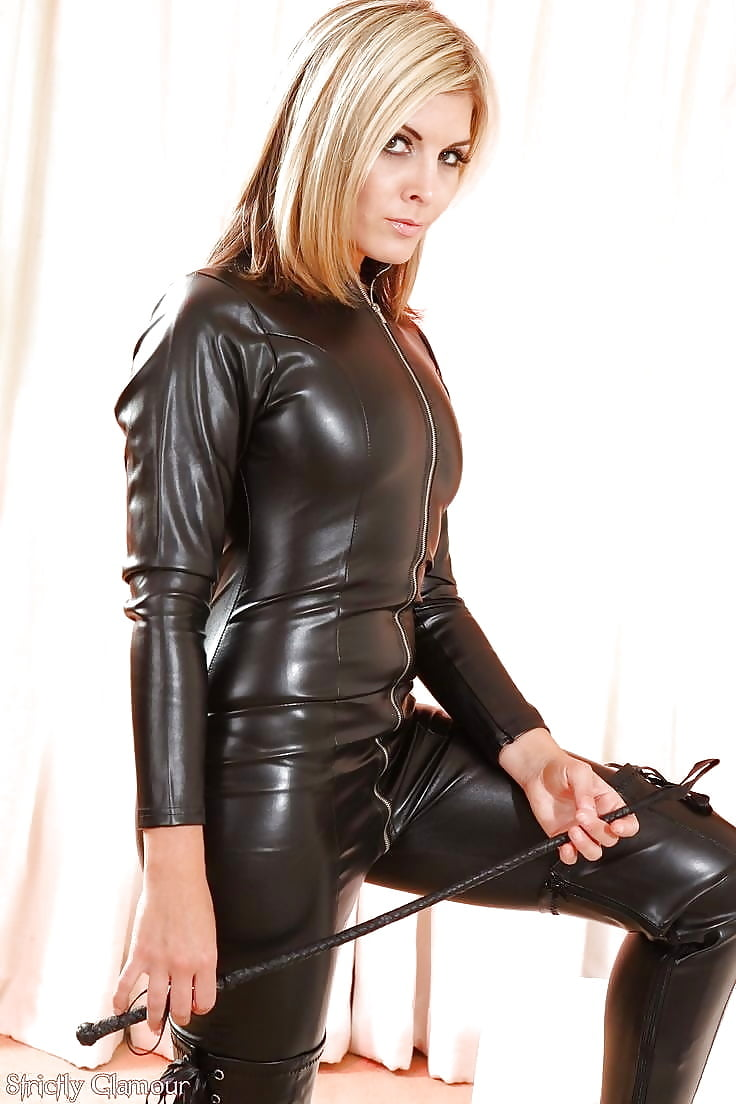 wife-in-leather-and-pvc-pics