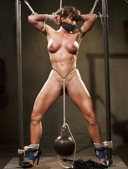 muscle-women-tied-naked
