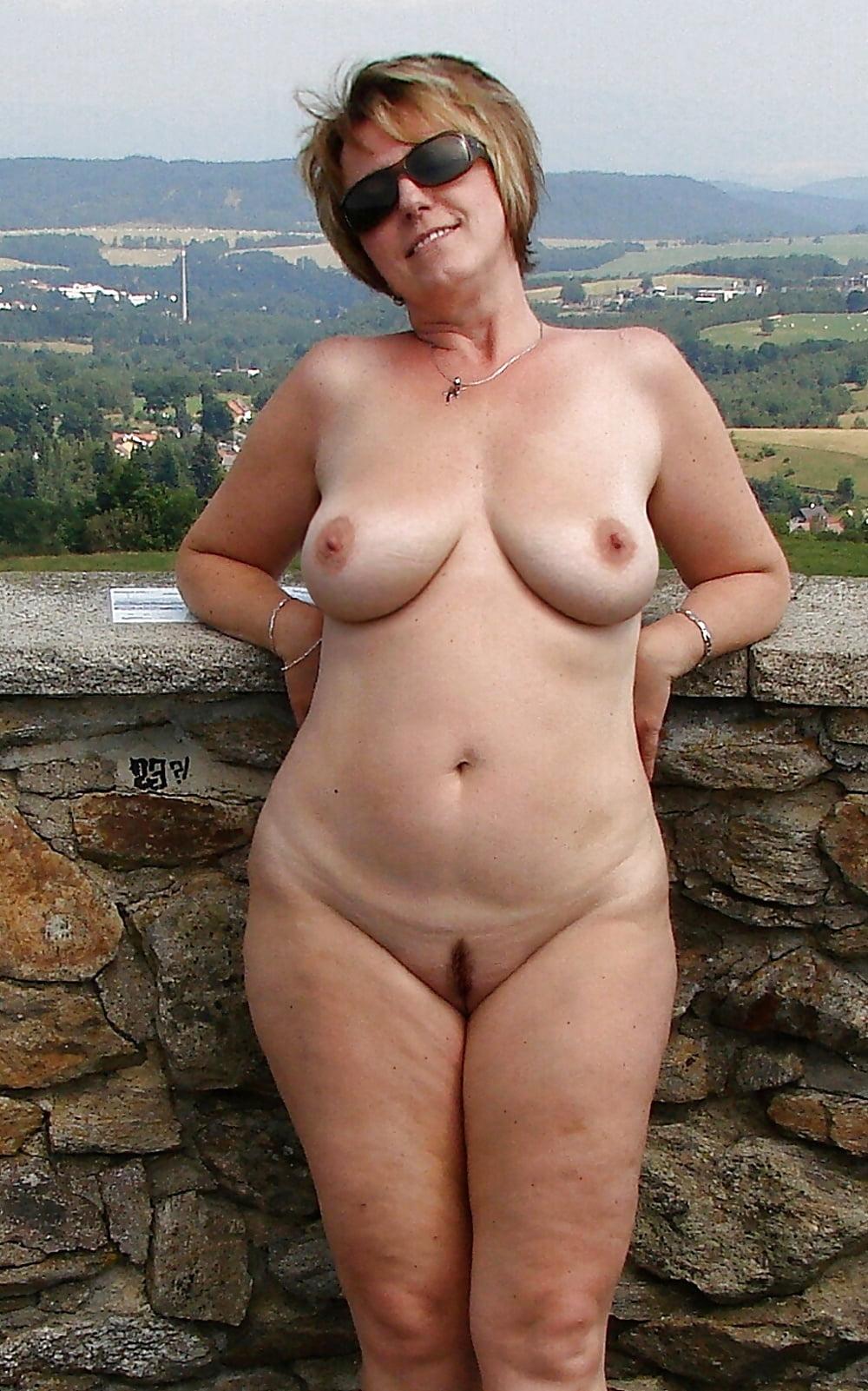 Sexy naked busty milfs-7498