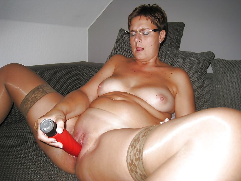 Tight pussy milf likes vibrators sex photo