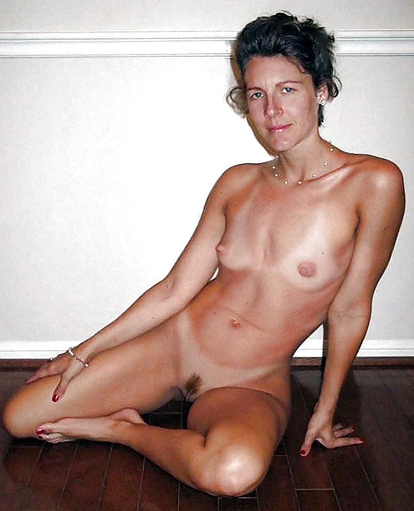 Older Nude Moms
