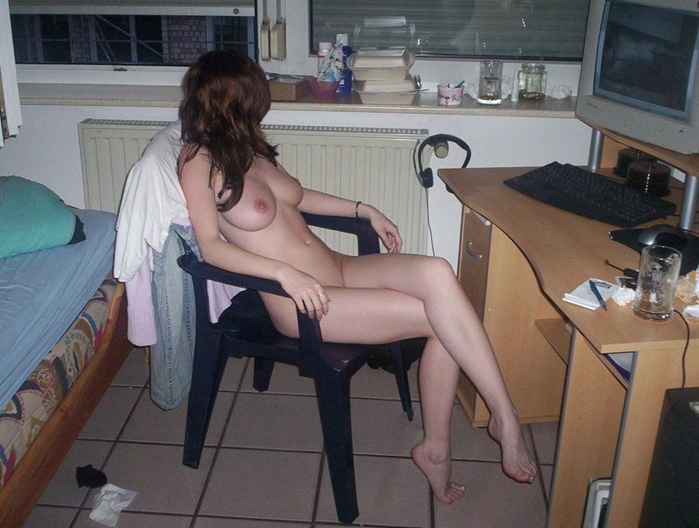 ощущение телка мастурбирует с компом не палит парень русское стройные девушки
