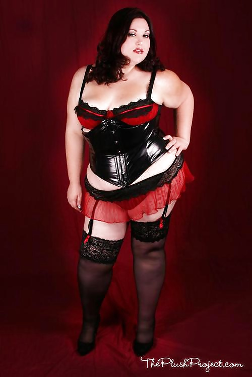 Plus size corsets for full figured corset training