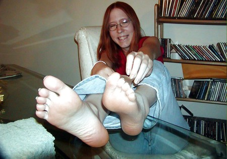 sandras smelly nylon feet