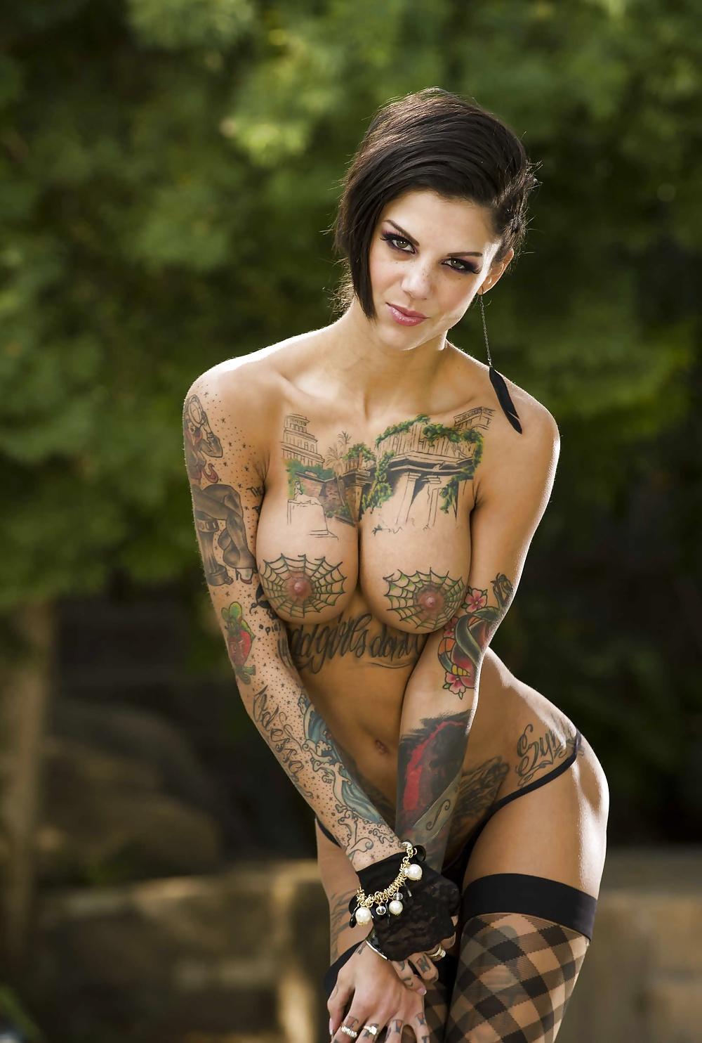 Порнозвезда в татуировках фото