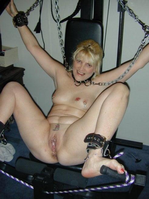 Naked white trash girls domination porn pics