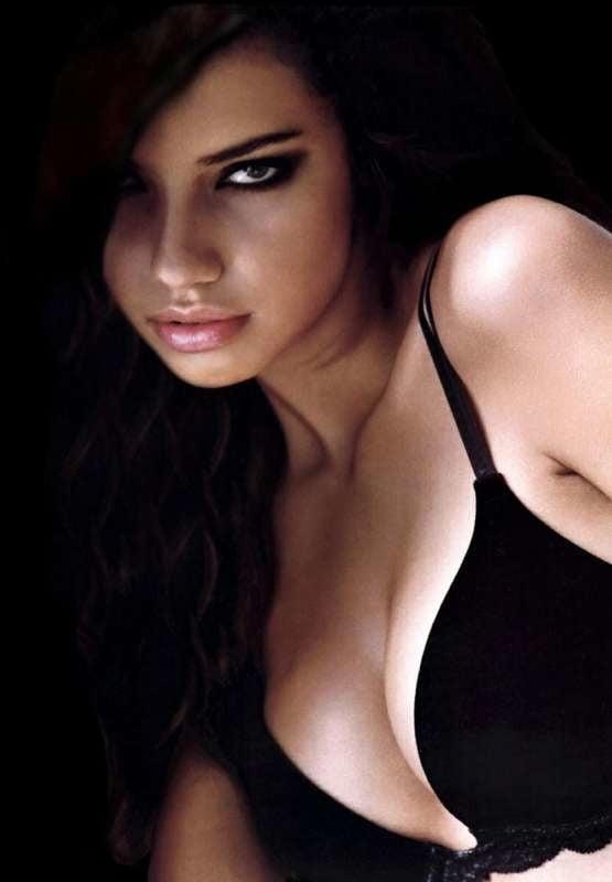 Adriana Lima 4 - 35 Pics