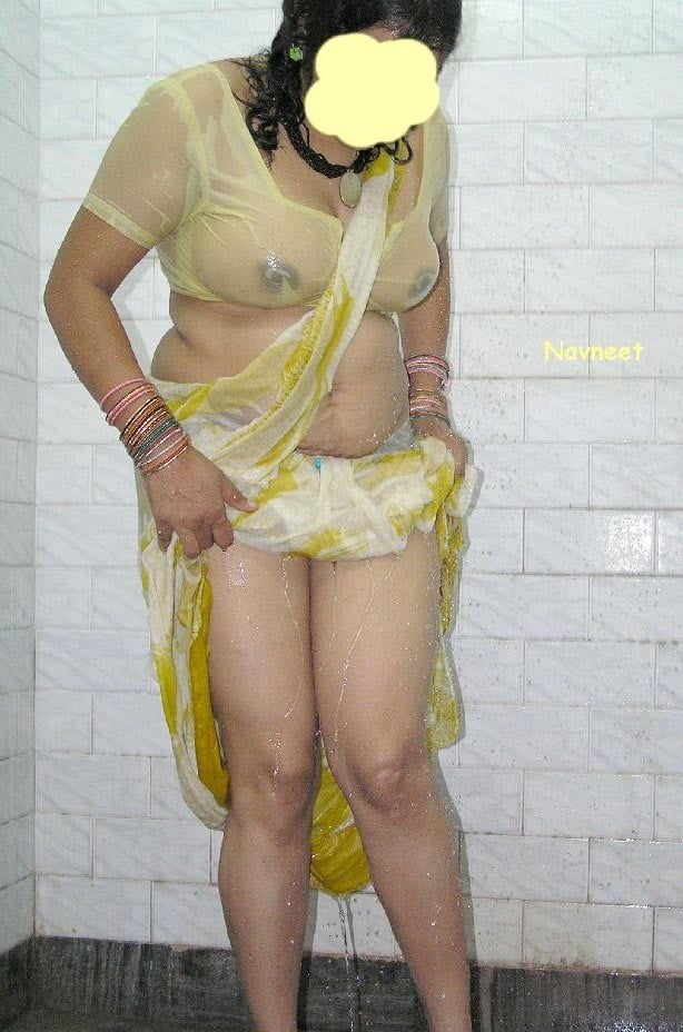 Namitha bathing in saree porn #10