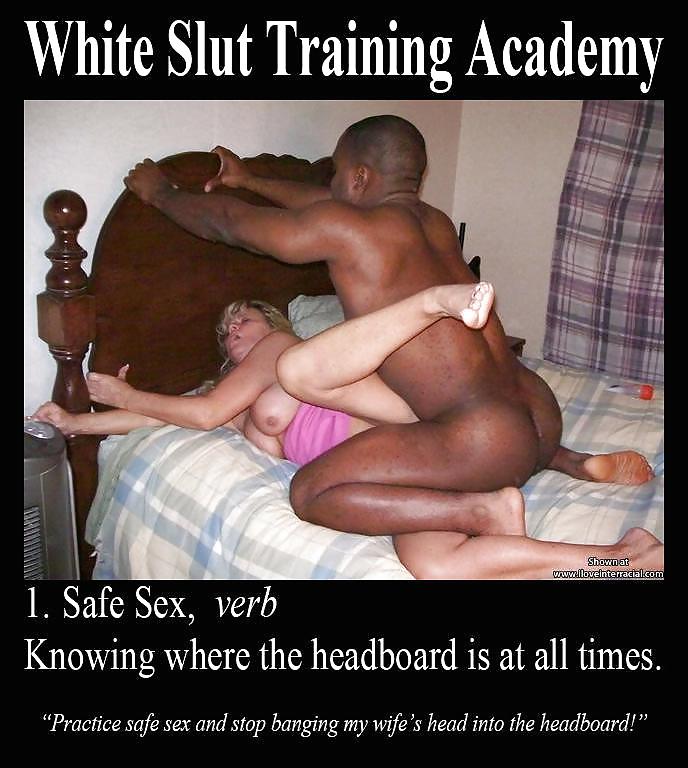 Mostrar hombre blanco sólo comer jugoso coño negro