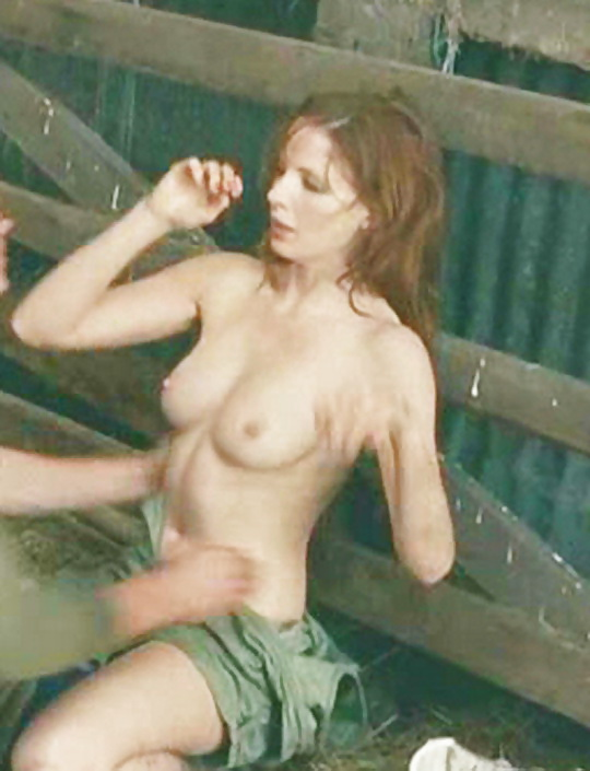 sex-threesome-kelly-reilly-hot-nude-sex-number