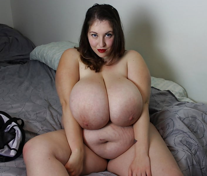 blonde-chubby-huge-tits-sites