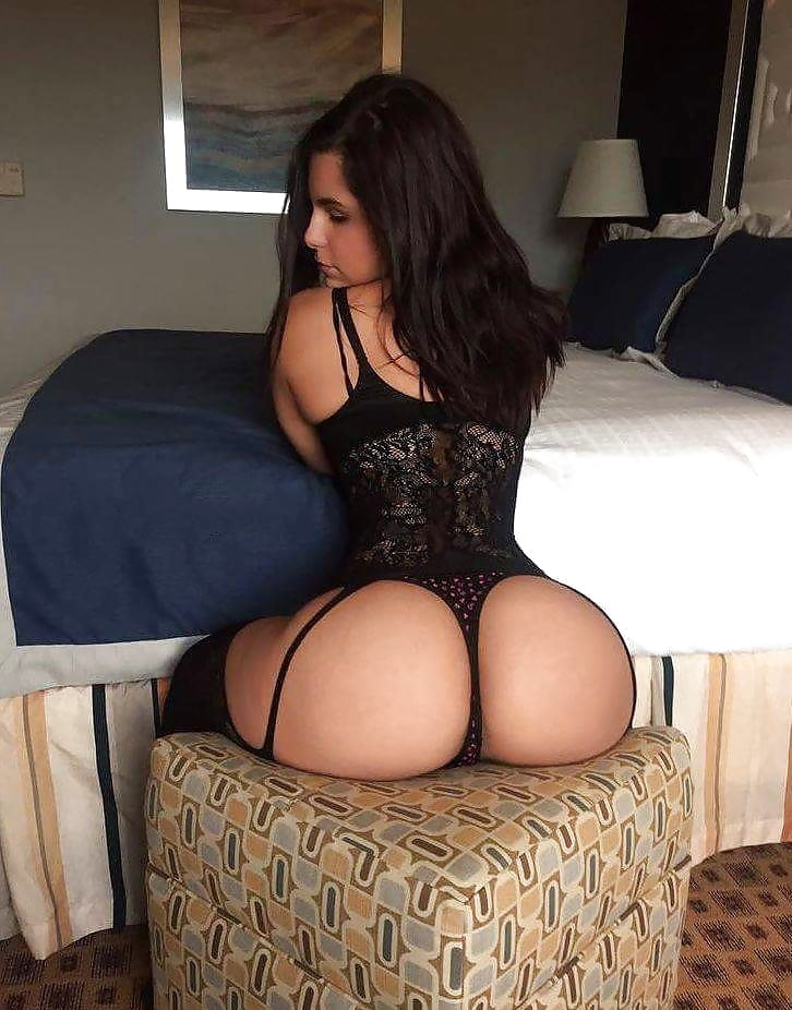 Booty small waist big thighs