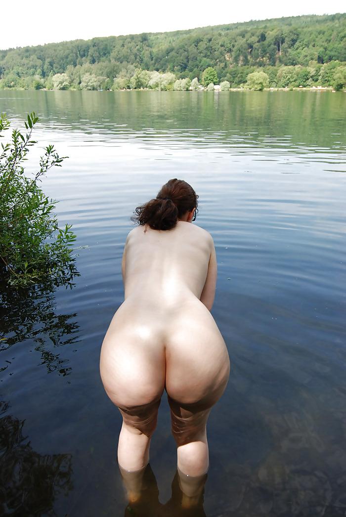 Большие задницы раком в лесу фото — pic 3