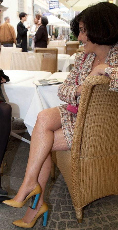 Mature Women Fully Dressed 51