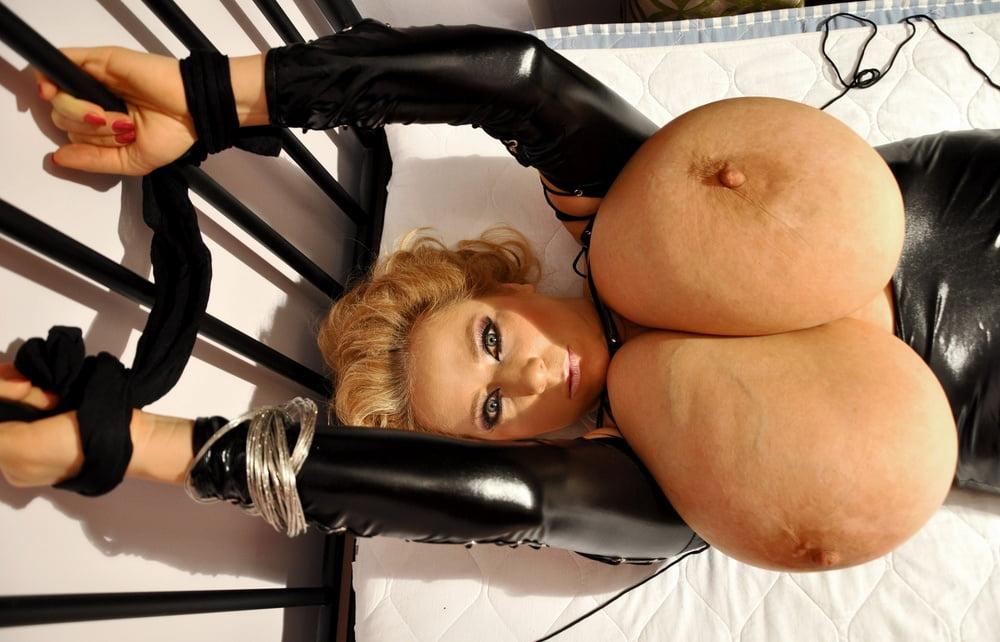 Xxx huge black tits-6910