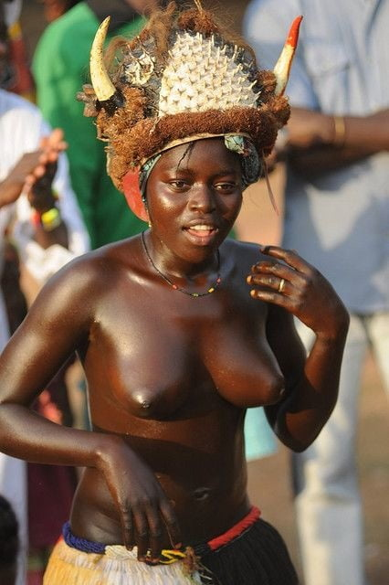 African natural tits-4081