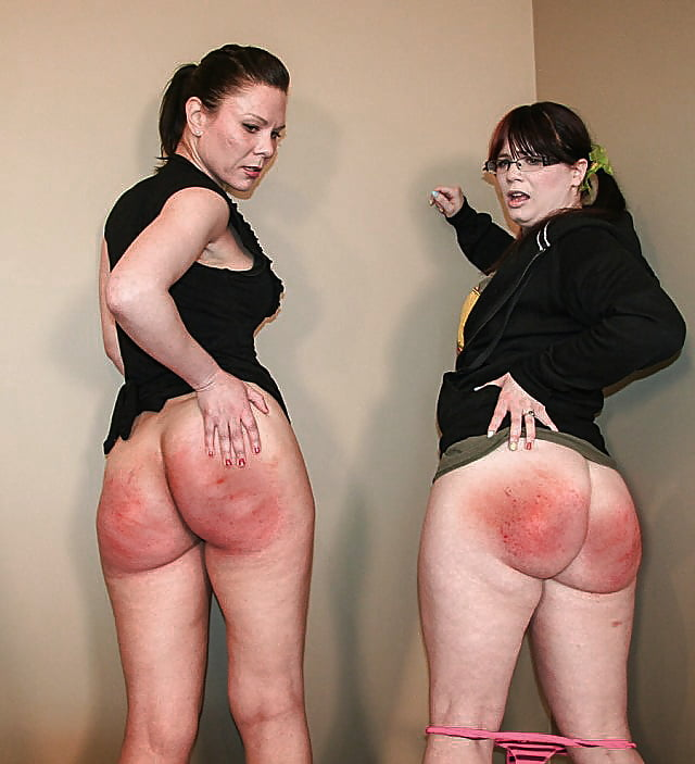 Black girls getting butt spanked — photo 12
