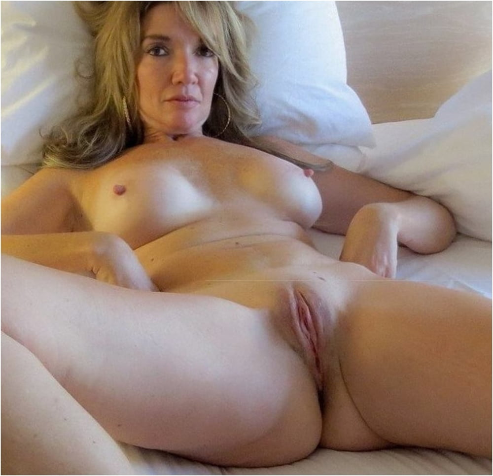 Shaved pussy mature