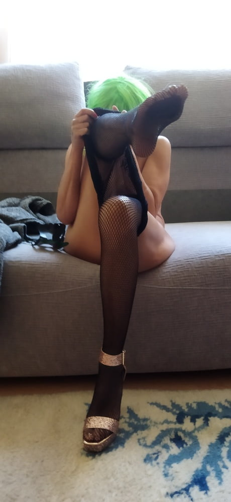 Pussy in fishnet - 7 Pics