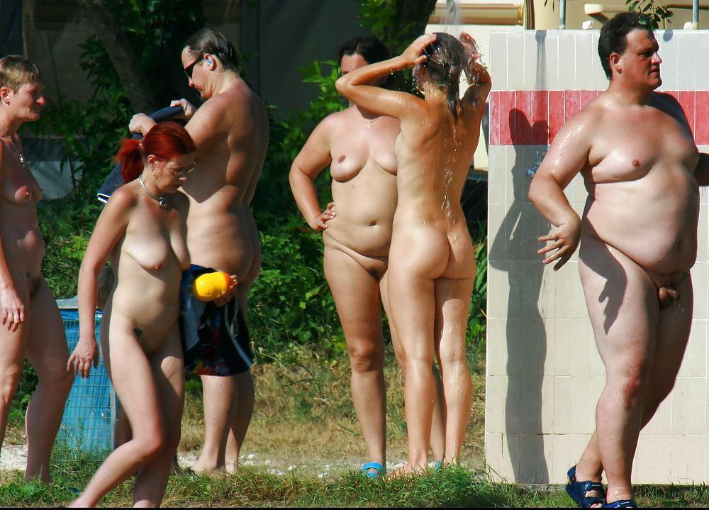 Flat Tits Selfie Nude