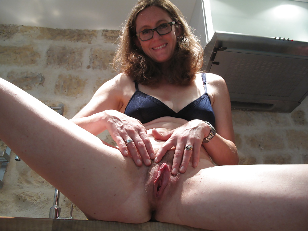 wet-mom-pussy-throat-gag-piss-puke-toilet