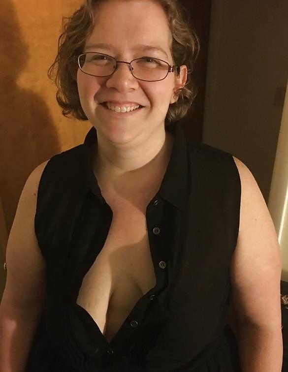Skin bbw with tiny tits