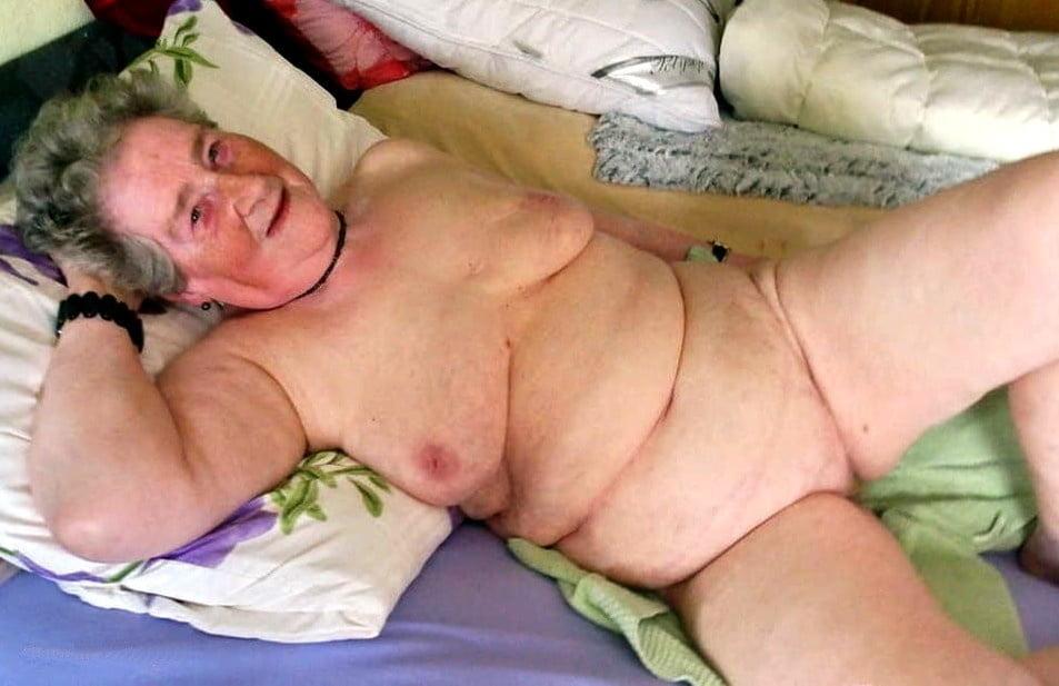 Horny older women near me-9707