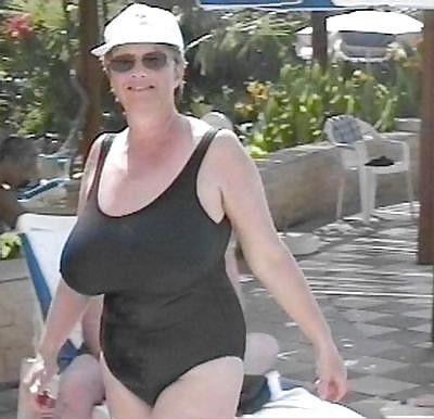 Sandra or Sandy plump wife from Exell