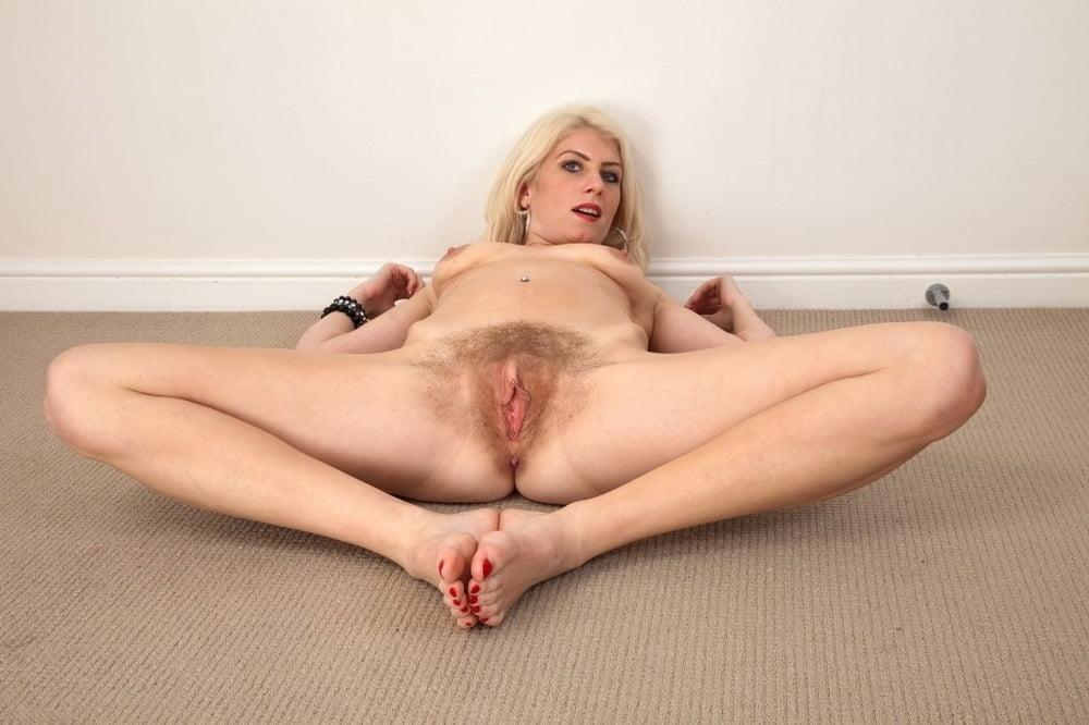 Hairy Amateur Ashleigh Mckenzie Pornpics 1