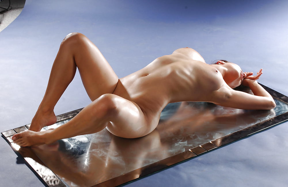body-switch-nude